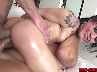 Shocking news! Holly Hendrix double anal