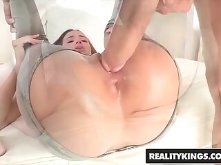 RealityKings - Teens Love Huge Cocks - (Belle Knox Chris Strokes) - Belle Bottom
