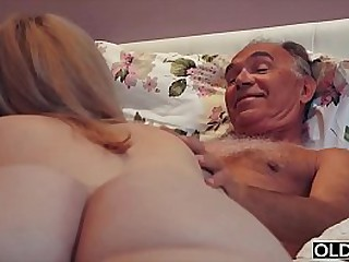 18 year old fucked by old man in his bed room hard and nice