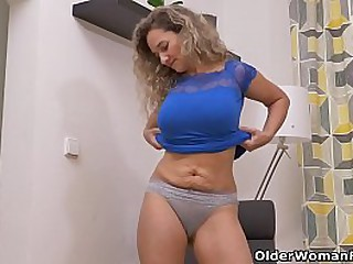 Hot milf Paege takes off her clothes and gives her mature pussy a good rubbing (brand NEW video available in Full HD 1080P). Bonus video: Euro milf Ameli.